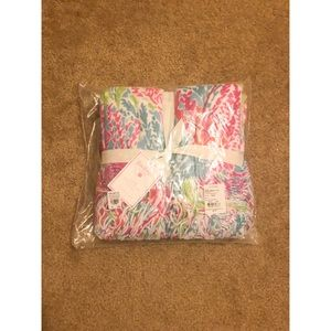Lilly Pulitzer Pottery Barn GWP Throw Lets Cha Cha